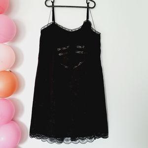 LONDON TIMES NWT Black Lace Dress Spaghetti Straps